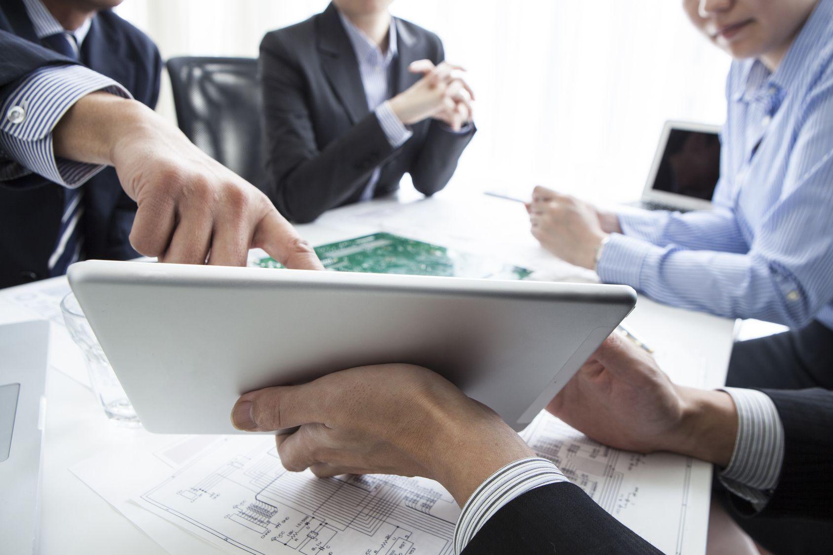 Consulenza e componenti elettronici